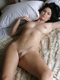shaved milf porn at hot milf pictures